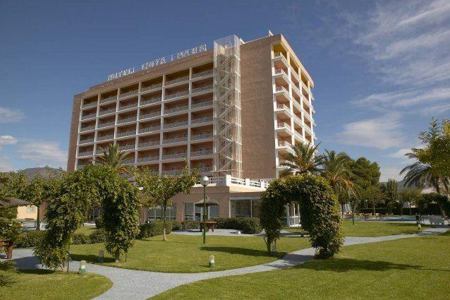 hoteles en roses girona: