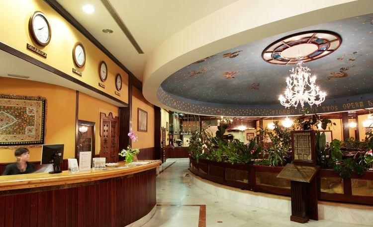 Reservar en hotel do a br gida en salamanca salamanca for Piscina climatizada campo de tiro salamanca