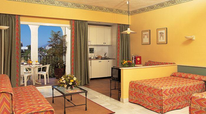 Reservar en pyr marbella en puerto ban s m laga - Hotel pyr puerto banus ...